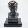 Estatueta Julius Cerâmica Preto com Bronze 33 cm